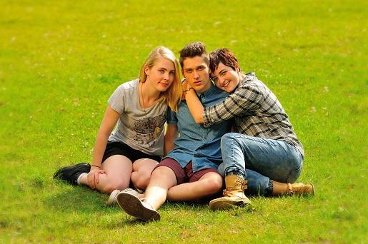 LGBTteens2.jpg